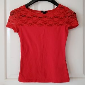 Cute H&M red short-sleeved shirt with lacy top